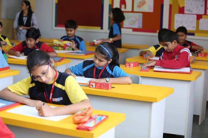 मप्र में स्कूल खोलने की तैयारी, छात्रों की ऐसी होगी बैठने की व्यवस्था
