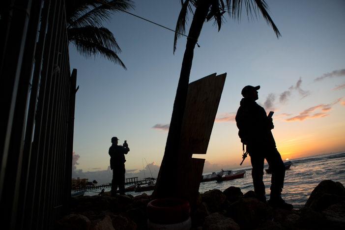 Amenazas del narco obligan a cerrar locales en plazas comerciales de Playa del Carmen