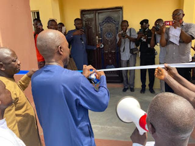 Igreja nigeriana destruída por Fulani reconstruída com ajuda de pastor americano: Traz 'cura e esperança'