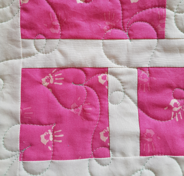 Free motion quilted hearts | DevotedQuilter.com