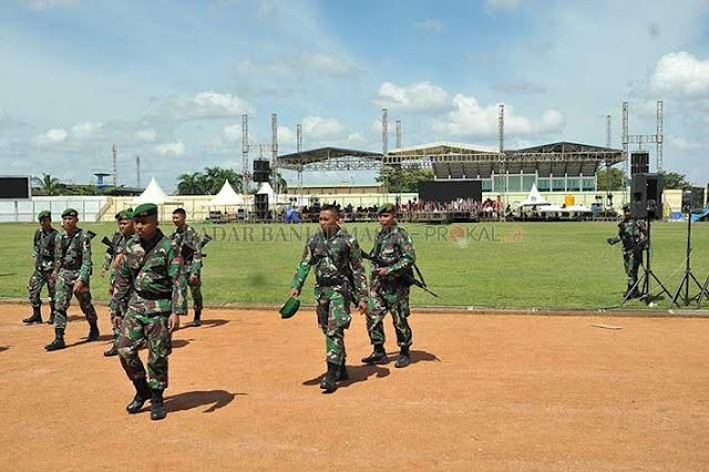 Terlepas dari kegaduhan Pilpres 2019, Joko Widodo tetaplah Presiden Republik Indonesia. Maka pada kampanye akbar di Banjarmasin hari ini (27/3), wajar aparat menerapkan pengamanan ekstra ketat. Sesuai standar yang layak untuk seorang kepala negara.