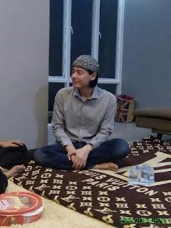artis-roger-danuarta-masuk-agama-islam