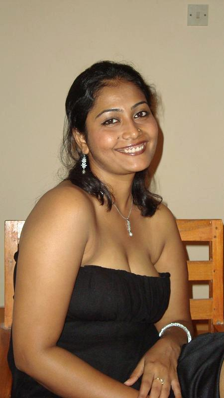 In Pictures Riya Aunty In Hot Looks Still  Hot And Sexy-1936