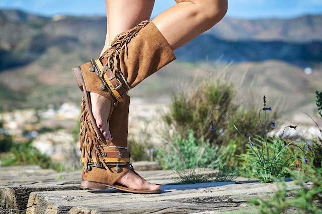 Sandalias boho chic altas camel
