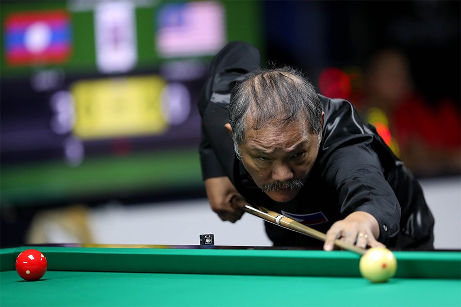 "Billiards legend Efren ""Bata"" Reyes bowed down to Vietnamese opponent"