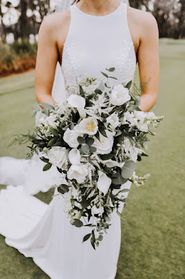 big bridal bouquet