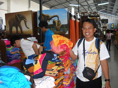 "KAIN BALI : You can get this ""kain Bali"" with cheapest prices. I bought some for my wife at home, and syahrir bought kids merchandises. Photo by Syahrir Badulu"