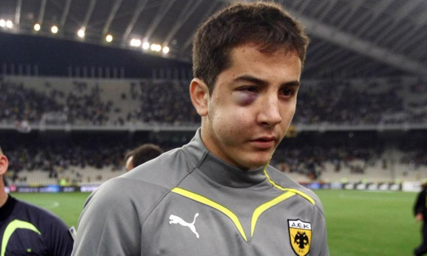 Όταν ο Μήτρογλου παραμόρφωσε το πρόσωπο του Μανωλά πριν βάλει γκολ στον Ολυμπιακό! (video)