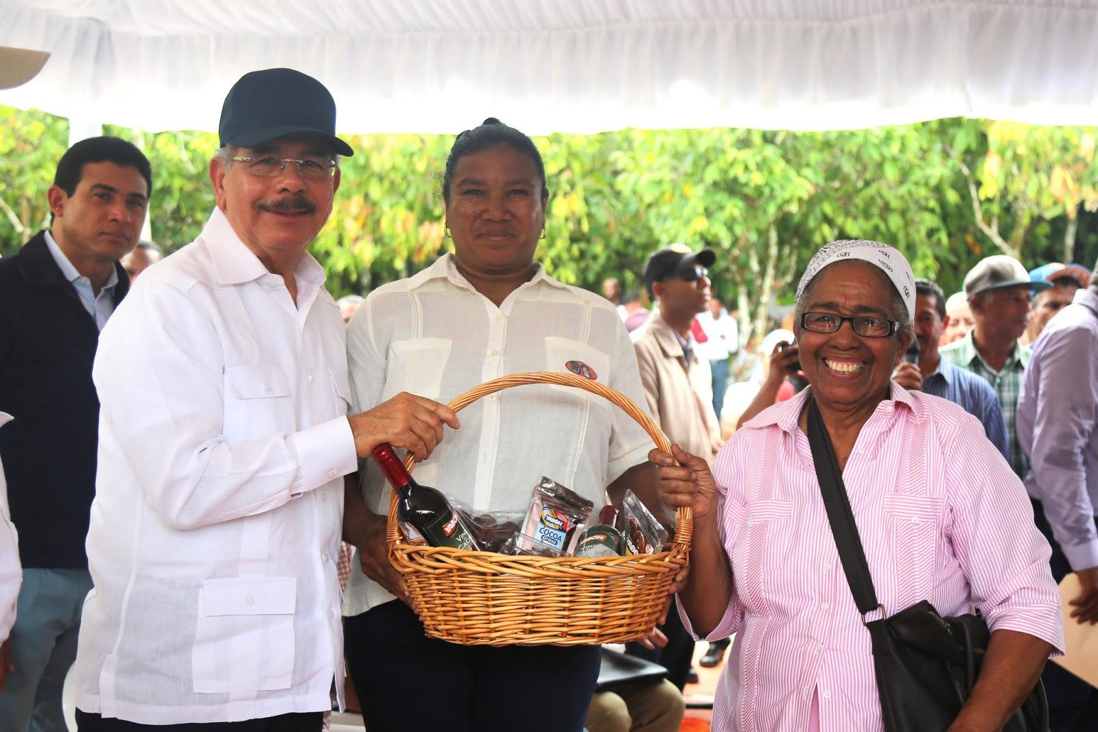 VS209: Danilo lleva apoyo a Vicentillo, El Seibo. Producción de cacao, plátano y ñame