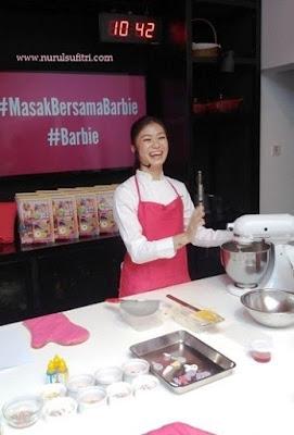ekspresi ceria chef stella lowis di almond zucchini cooking studio nurul sufitri blogger la maison