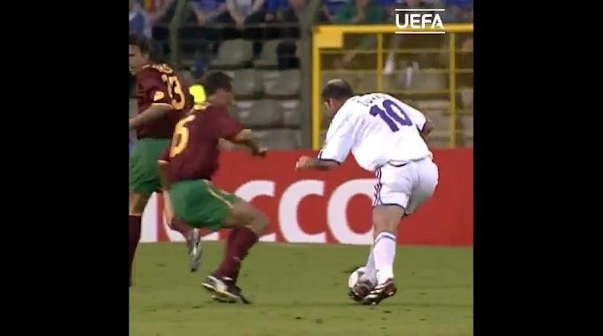 Zidane phô diễn kỹ thuật trước Bồ Đào Nha ở Euro 2000