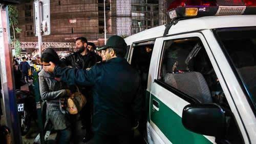 إيران... تأديب مأموري الأمن و و احتجاج أصحاب دور النشر