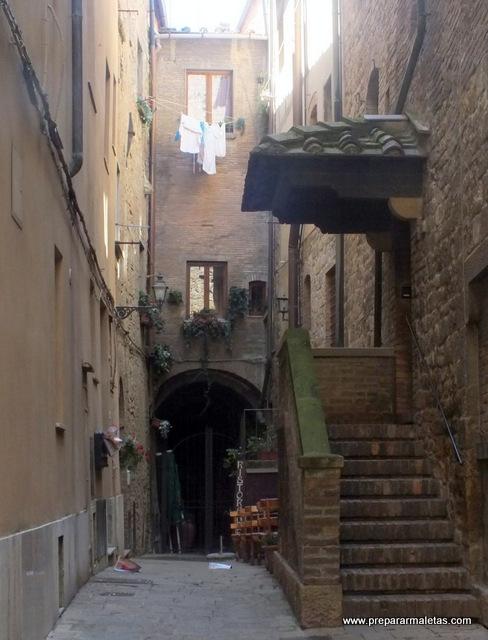 rincones en pueblos de la Toscana