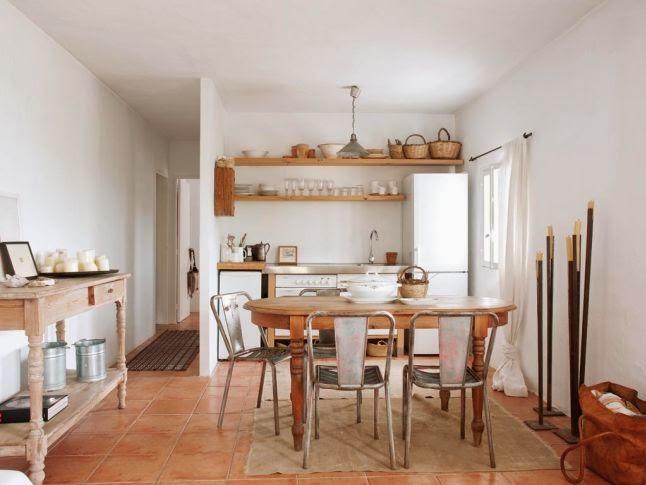 Decoraci n f cil una casa en ibiza con decoraci n r stica for Decoracion de viviendas rusticas