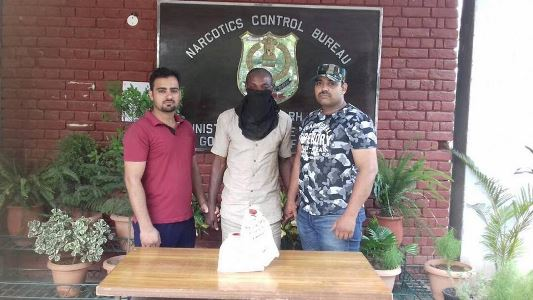 Photo: India Narcotics bureau nabs Nigerian man with 415 gram of Heroin