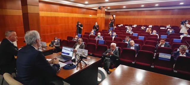 Conde defiende el papel clave del tejido empresarial pontevedrés en la reactivación de la economía