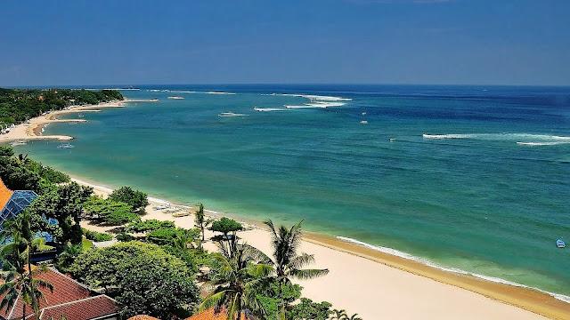 Menikmati Pesona Pantai Kuta Dan Menginap Di Hotel Bali Yang Mewah