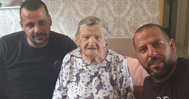 Arab plumbers in Haifa refuse to charge Holocaust survivor
