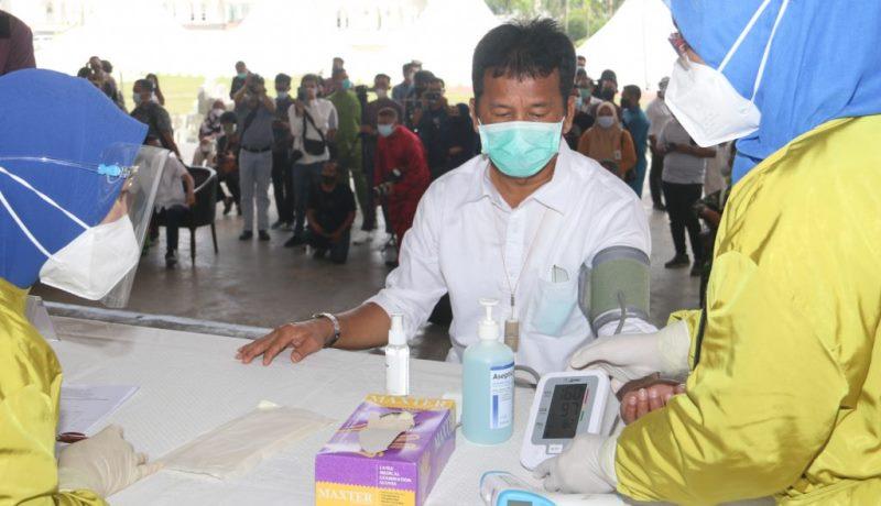 """Tekanan Darah Tinggi, Wali Kota Batam Batal Divaksin """"Dinkes Jadwal Ulang Vaksinasi"""""""