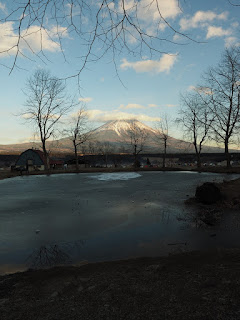 ふもとっぱらキャンプ場 池と富士山