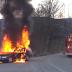 Πυροσβέστες της κακιάς ώρας-Πήγαν να σβήσουν φλεγόμενο όχημα αλλά η πίεση της μάνικας το έσπρωξε στον κατήφορο(VIDEO).