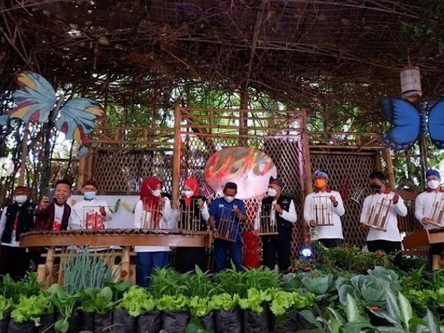 Wali Kota Bandung Launching Gebyar Buruan SAE 2021 di Saung Angklung Udjo