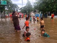 Beberapa Alasan Mengapa Anak Di Bawah Umur Dilarang Bermain Di Air Banjir