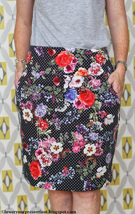 black floral pencil skirt burda 9/2007 #128 www.loweryourpresserfoot.blogspot.com