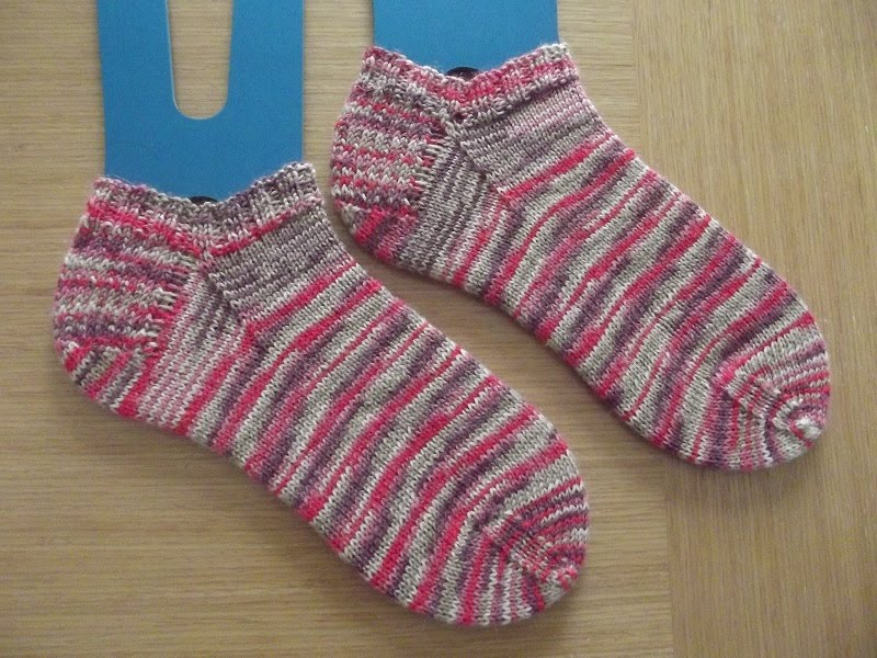 Summer Berry Shortie Socks
