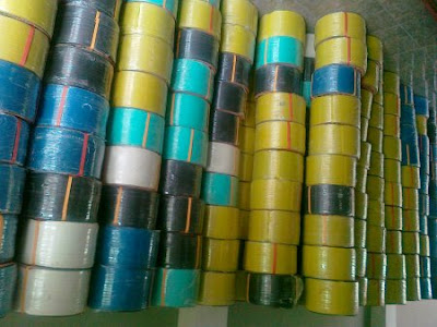 http://ponorogoukmcenter.blogspot.co.id/2016/05/bahan-baku-tas-anyaman-plastik.html