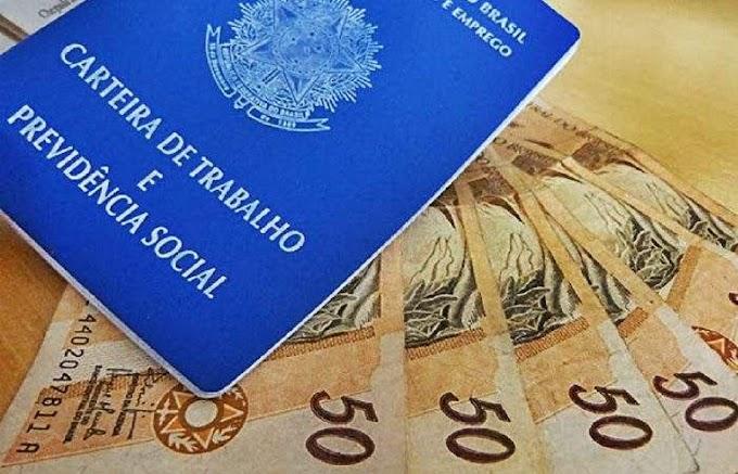 Jair Bolsonaro assina decreto e salário mínimo será de R$ 1.039 mil em 2020