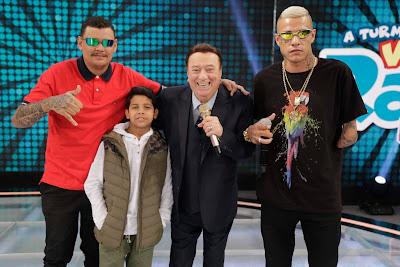 Jurados de Funkeirinhos MC B.O, MC Bruninho, Raul Gil, MC Mãozinha (Foto: Rodrigo Belentani/SBT)