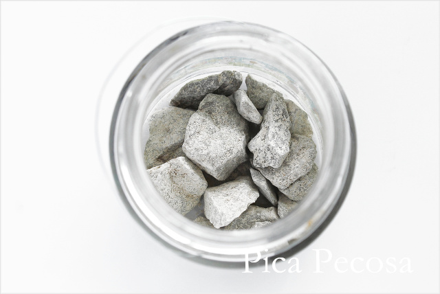 tutorial-hacer-regalo-companeros-colegio-cumpleanos-planta-en-bote-cristal-con-asa-alambre-diy-paso-seis