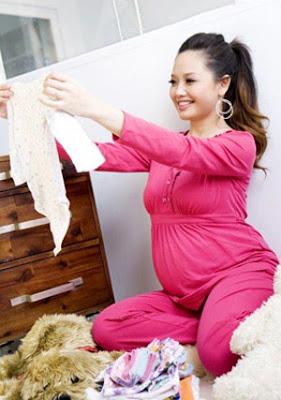 tục xin quần áo cũ cho trẻ sơ sinh