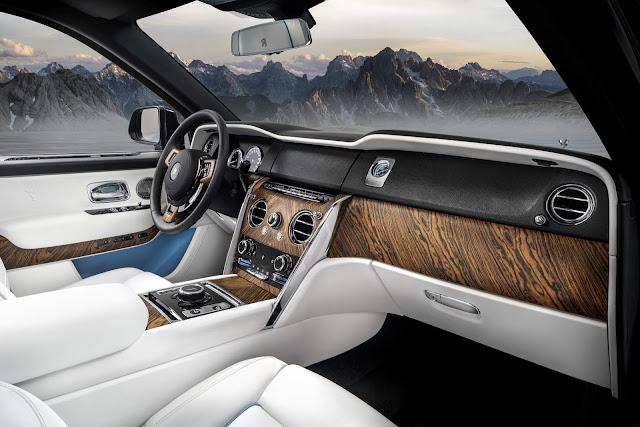 Rolls Royce Cullinan - interior