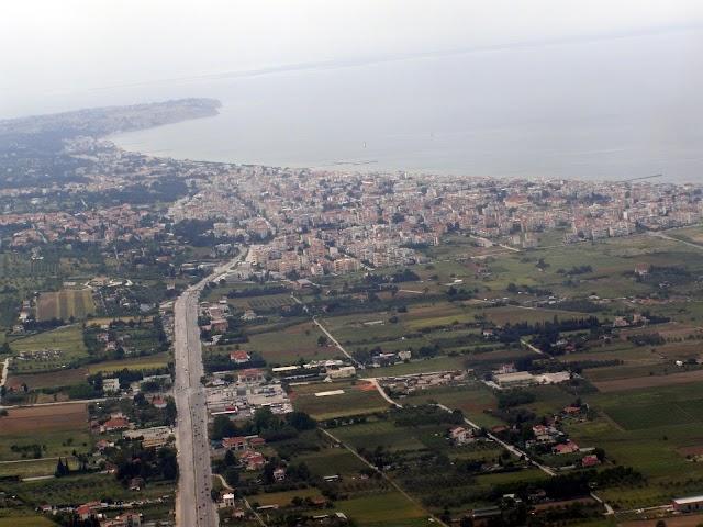 Η διάβρωση καταπίνει τις ακτές της ανατολικής Θεσσαλονίκης (φωτογραφίες)