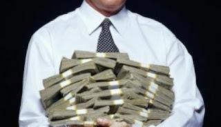 Pria Ini Terkejut Saldo di Rekeningnya Bertambah Rp13 Miliar