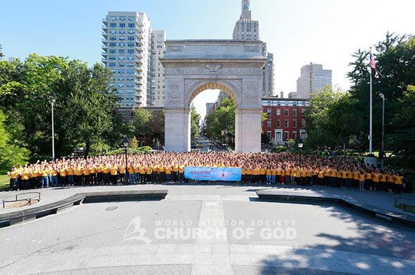 Os 2.000 doadores de sangue e voluntários no parque Washington Square