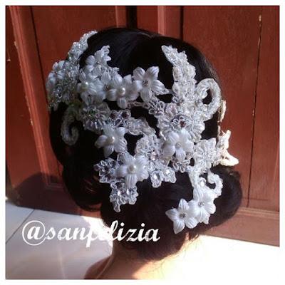 Hiasan kepala pengantin brokat panjang. Wedding headpiece full payet dan batu kristal. Hiasan rambut, hiasan veil model terbaru. Detail 3D bunga timbul dan motif bridal headpiece terbaru
