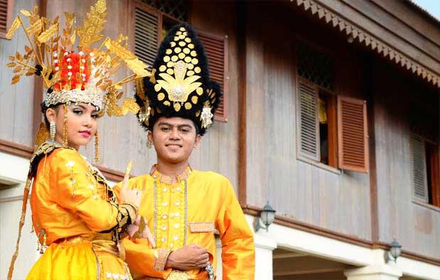 Pakaian Adat Provinsi Sulawesi Utara