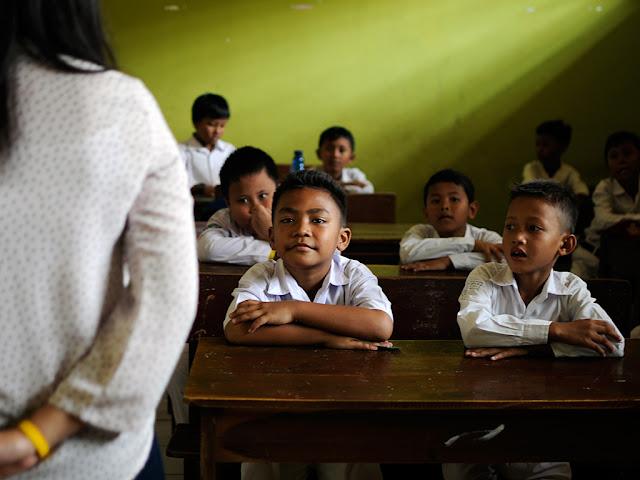 Masa Depan Bangsa Dan Nasib Seorang Guru