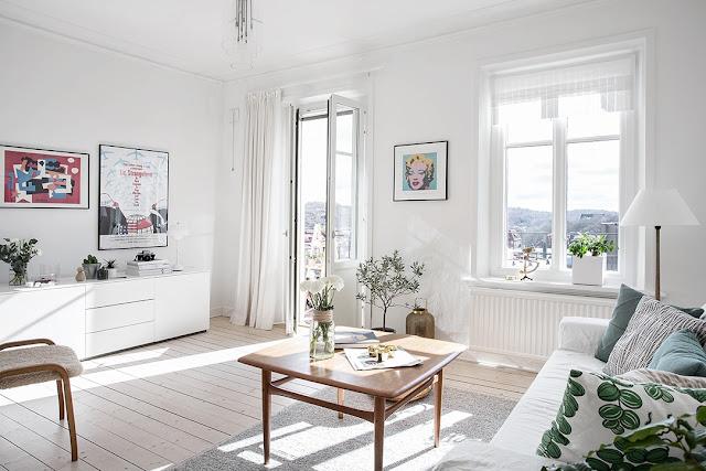 salon w stylu skandynawskim, plakaty