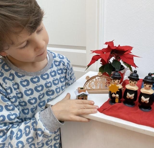 weihnachten im erzgebirge mit vielen wundervollen. Black Bedroom Furniture Sets. Home Design Ideas