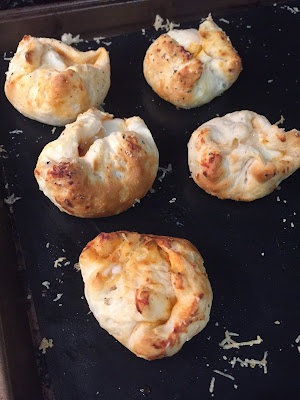 Make these Delicious Pizza Bombs!