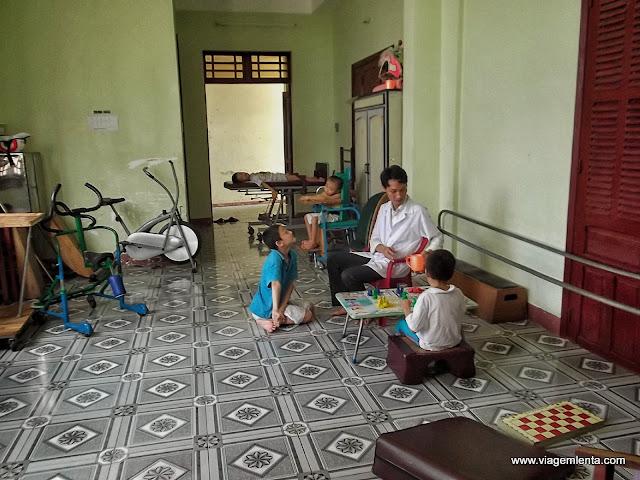 O orfanato, o apoio e a construção do futuro