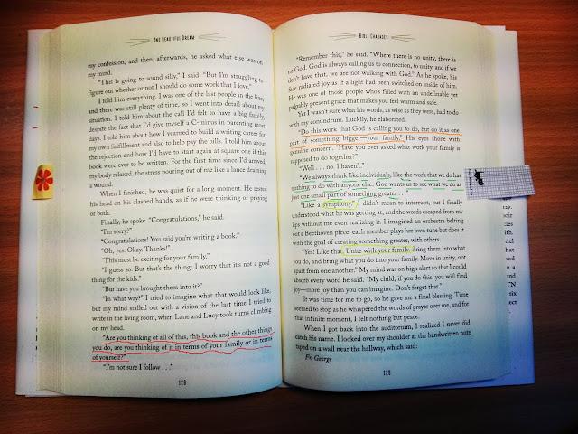 Opengeslagen boek A beautiful dream van Jennifer Fulwiler