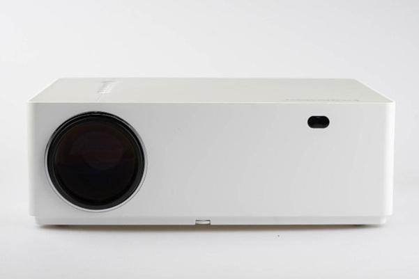 Bomaker Parrot I: proyector 4K de 300'', con brillo de 6.800 lm y filtro antipolvo reutilizable