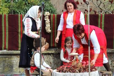 Традициите са спазени – в Голям извор зарязаха лозята по случай Трифон Зарезан