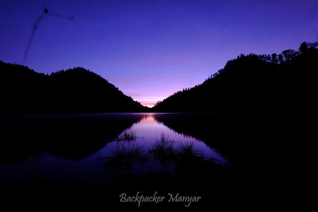 Matahari terbit di Ranu Kumbolo gunung Semeru
