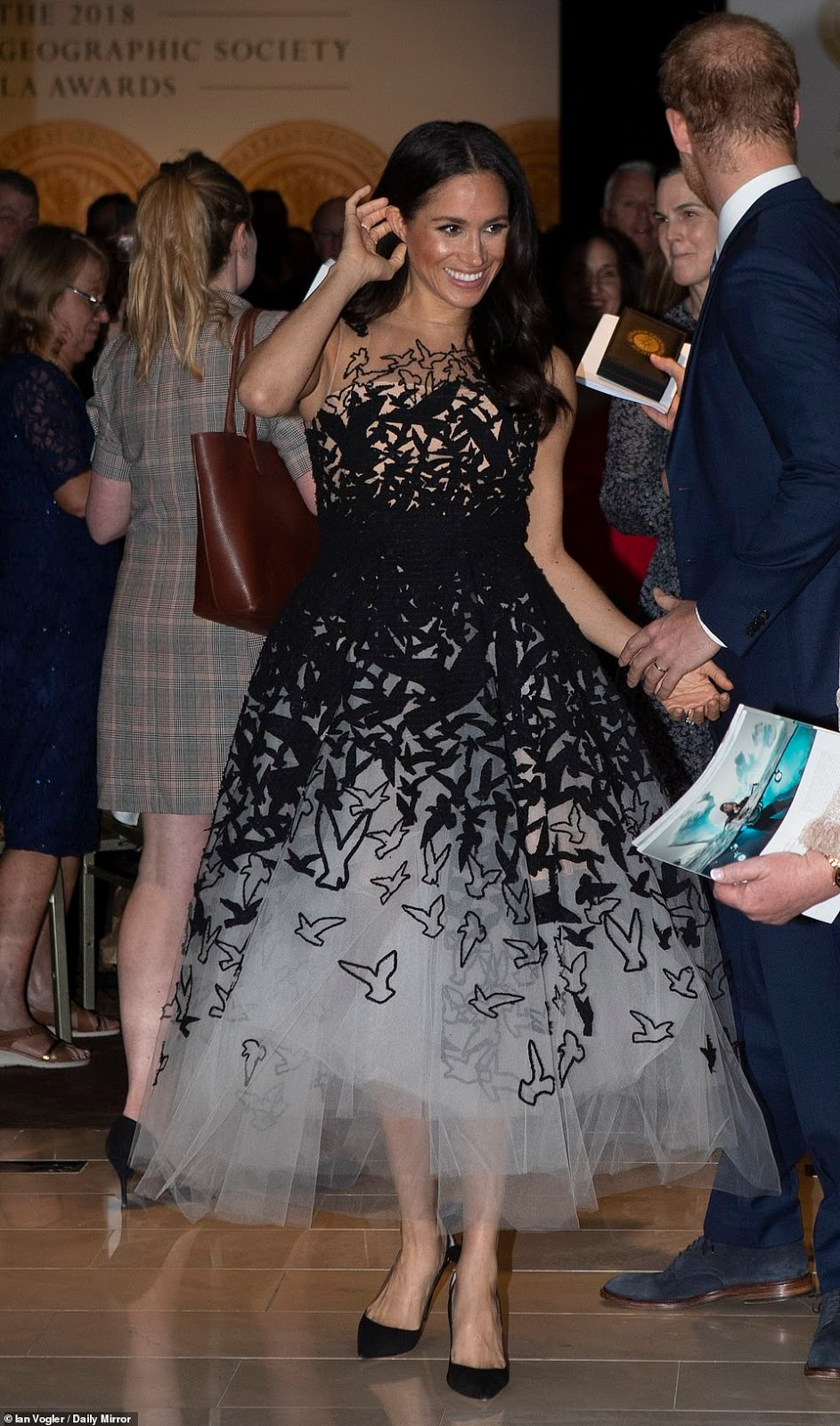 Meghan Markle dazzles in Oscar de la Renta at Sydney Awards Ceremony